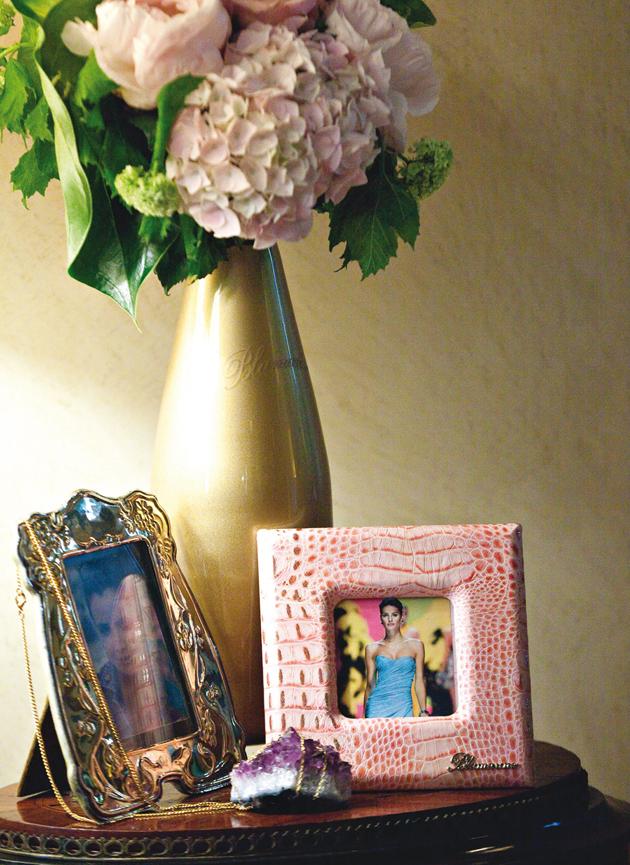 blumarine e shop blumarine e shop. Black Bedroom Furniture Sets. Home Design Ideas